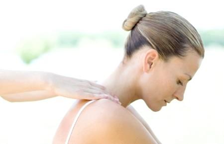 Фото - масаж при шийному остеохондрозі