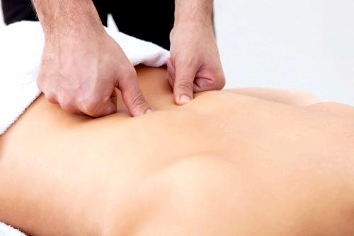 Фото - Корисність і показання до масажу попереку