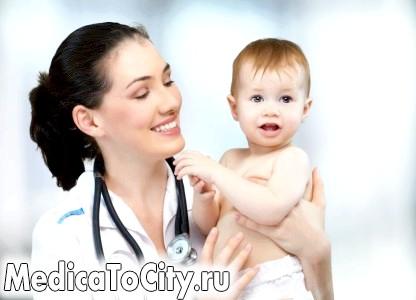 Фото - лікар і дитина