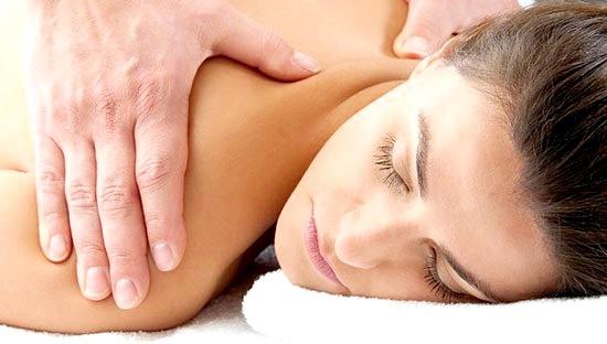 Фото - класичний масаж, застосовуваний при порушеннях постави