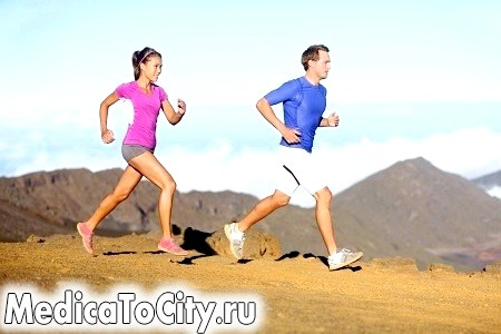 Фото - Чоловік і жінка на пробіжці