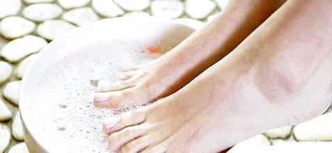 Фото - Фото процедури лікування мозолів за допомогою ванночок