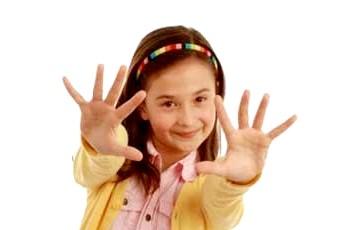 Фото - Фото дитини до статті про видалення бородавок у дітей
