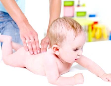 Фото - ЛФК при лікуванні кривошиї у малюка