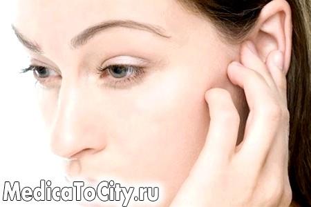 Фото - травма вуха після удару