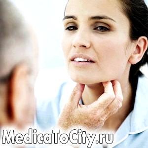 Фото - пальпація щитовидної залози