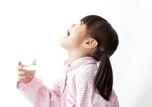 Фото - Полоскання горла при ангіні
