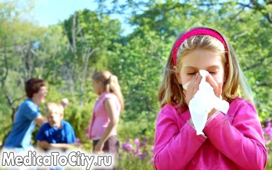 Фото - Алергія у дівчинки