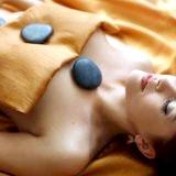 Фото - Фото - Як робиться масаж гарячими каменями