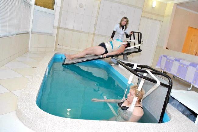 Фото - Підводне витягування хребта